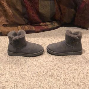Ugg Australia grey mini bailey button boots sz 6